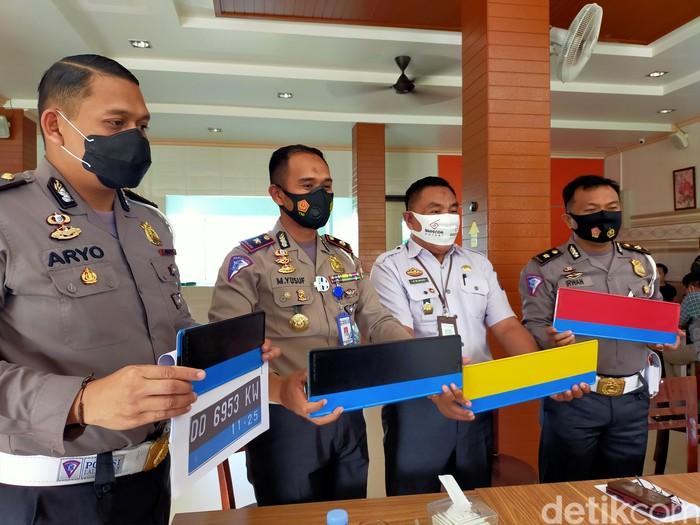 Puluhan Motor Listrik di Sulawesi Selatan Pakai Pelat Biru