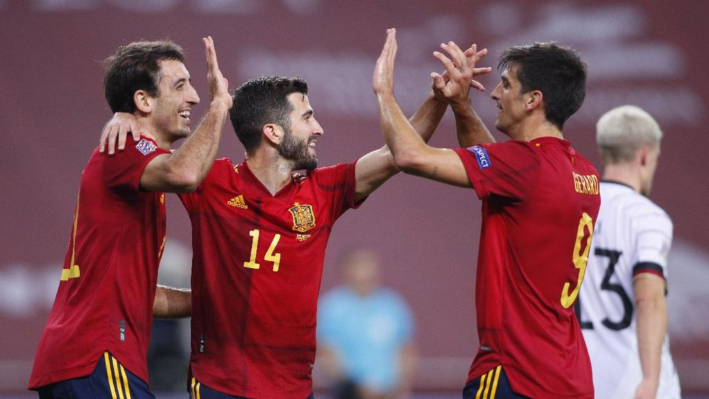 Jerman Seperti Diajari Bermain Sepakbola oleh Spanyol