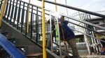 Untuk Keselamatan Pejalan Kaki, JPO Dibangun di Kranji Bekasi