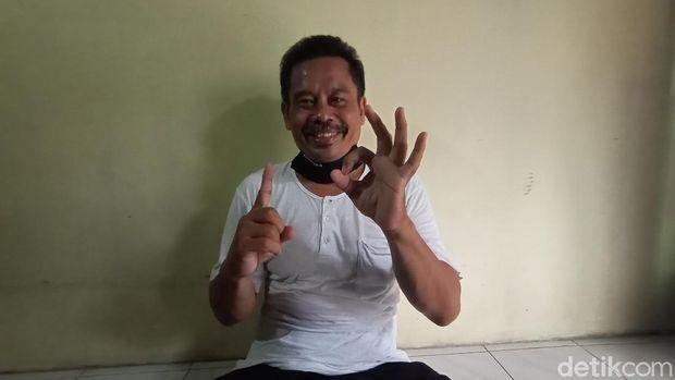 Capres fiktif Nurhadi, di rumahnya Desa Gulantepos, Kecamatan Mejobo, Kudus, Kamis (19/11/2020).