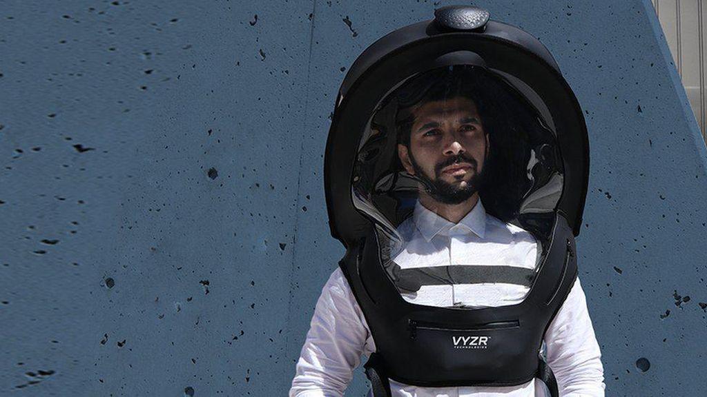 Memakai Helm untuk Menangkal Virus Corona, Efektif atau Berlebihan?