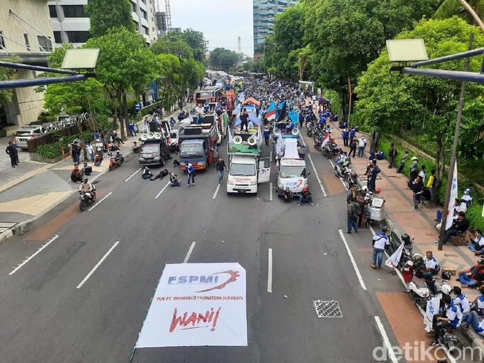 Pedemo di Surabaya blokade Jalan Basuki Rahmat