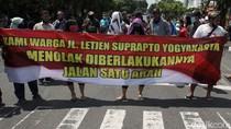 Demo Tolak Kebijakan Satu Arah di Jalan Suprapto Yogyakarta