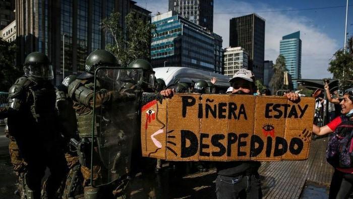 Demonstran Chile minta presiden mundur (AFP Photo)