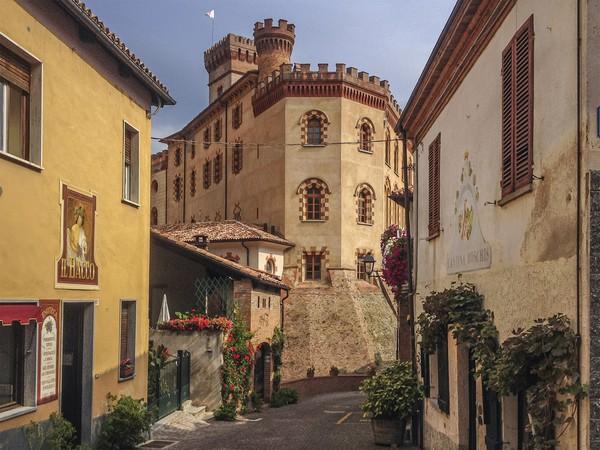 Dan mulai tahun depan, Italia juga akan memiliki Città del Vino resmi. Inilah Kota Anggur dari Italia untuk tahun 2021.Keputusan tersebut diambil dari asosiasi nasional Città del Vino. Komunitas ini yang menyatukan kota-kota penghasil wine Italia.