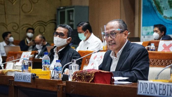 Direktur Jenderal Minyak dan Gas Bumi Tutuka Ariadji mengatakan akan memilih lapangan yang potensial untuk dilakukan EOR.