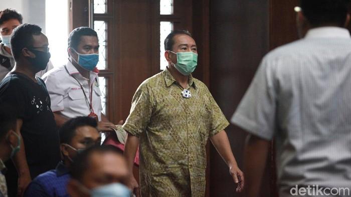 Terdakwa Djoko Tjandra kembali jalani sidang lanjutan di Pengadilan Tipikor. Sidang suap penghapusan status red notice interpol tersebut beragendakan pemeriksaan 8 saksi.