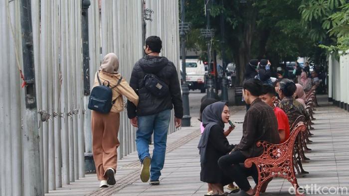 Fasilitas publik di Bandung ditutup lagi karena banyak kerumunan