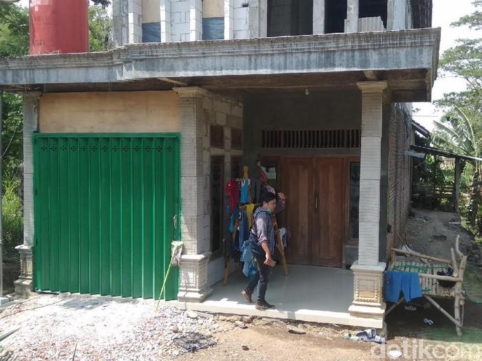 Kepergok Bobol Rumah, Pencuri Bacok Pasutri di Mojokerto