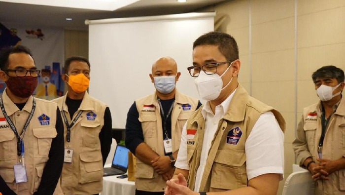 Ketua Bidang Koordinasi Relawan Satgas COVID-19 Andre Rahadian mengatakan pihaknya tak pernah melakukan kegiatan terkait pengembalian atribut relawan.