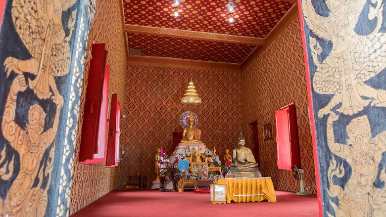 Song Savoey Temple, Chainat