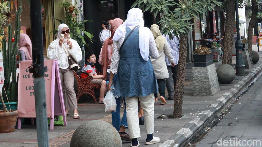 Kasus Corona Harian di DKI Pecah Rekor, Warga Prihatin