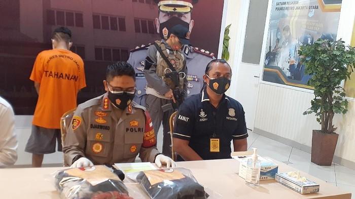 Polisi tangkap guru silat yang cabuli 2 murid perempuan di Jakut