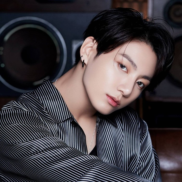 Potret Jungkook sebagai Sexiest International Man 2020