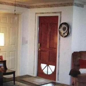 8 Foto Interior Rumah Super Aneh, Bikin yang Lihat Mengerutkan Dahi