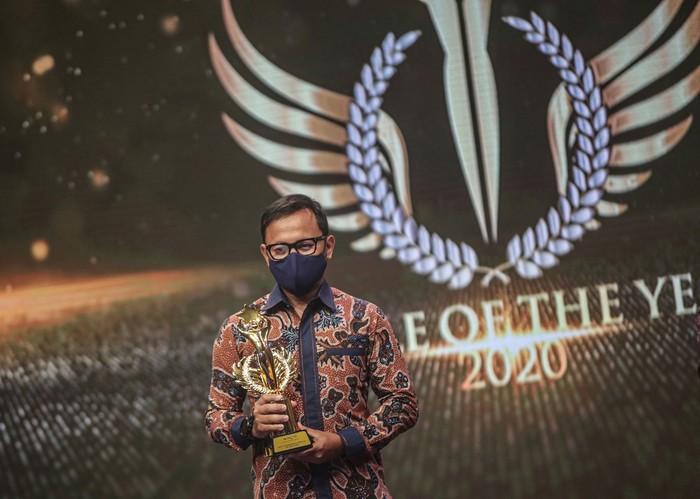 Wali Kota Bogor Bima Arya berhasil meraih penghargaan Best Government Officer for Accelerated Growth pada ajang People Of The Year 2020.