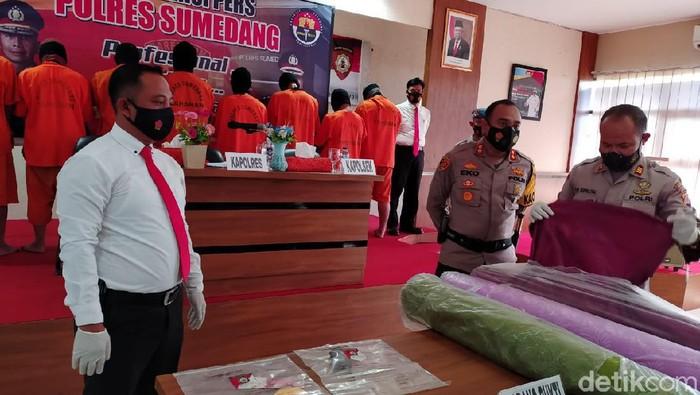Delapan orang pencuri gonden di Sumedang ditangkap
