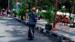 Kurangi Polusi, Pria di Klaten Ini Kerja Naik Kendaraan Satu Roda