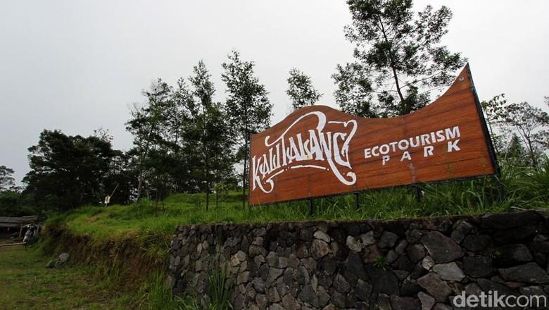 Objek wisata di kawasan Kalitalang, Klaten, ditutup untuk umum. Penutupan objek wisata tersebut dilakukan usai status Gunung Merapi meningkat menjadi siaga.