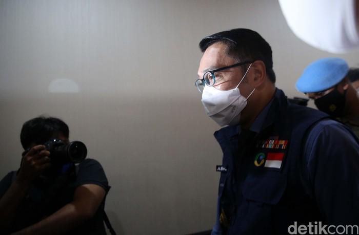 Gubernur Jawa Barat Ridwan Kamil memenuhi panggilan Bareskrim Polri di Jakarta. Kang Emil dimintai klarifikasi terkait acara Habib Rizieq di Bogor.