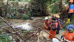 Pencarian 2 Pemotor yang Terseret Arus Banjir di Kendal