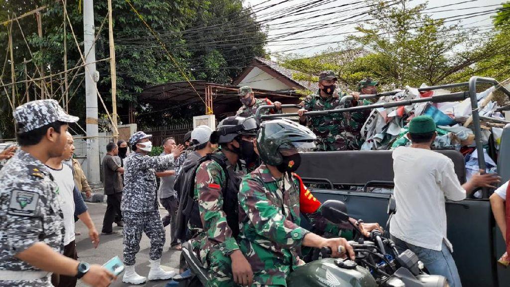 Pakar UGM Soal TNI Copoti Baliho Habib Rizieq: Penegakan Hukum Tak Jalan
