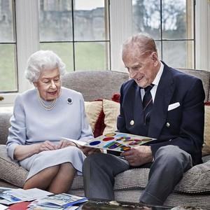 Senyum Ratu Elizabeth II di Ultah Pernikahan Ke-73, Dapat Ucapan dari Cicit