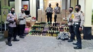Razia Jelang Pilkada Serentak, Polisi Sita Ratusan Botol Miras