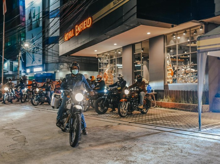 Royal Enfield Ride After Dark