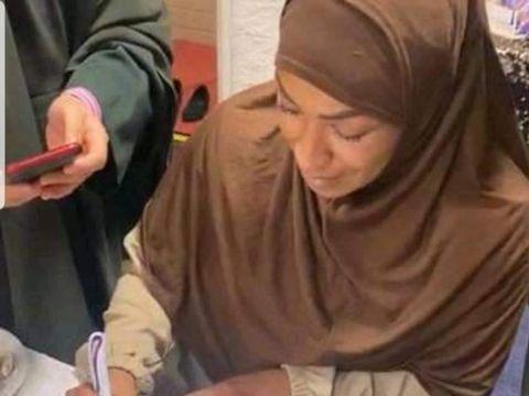 Petinju Belanda Ruby Jesiah Mesu baru saja memeluk agama Islam