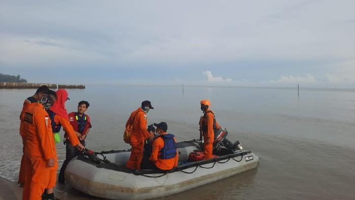 Tim SAR lakukan pencairan nelayan hilang di Sergai (dok. Istimewa)