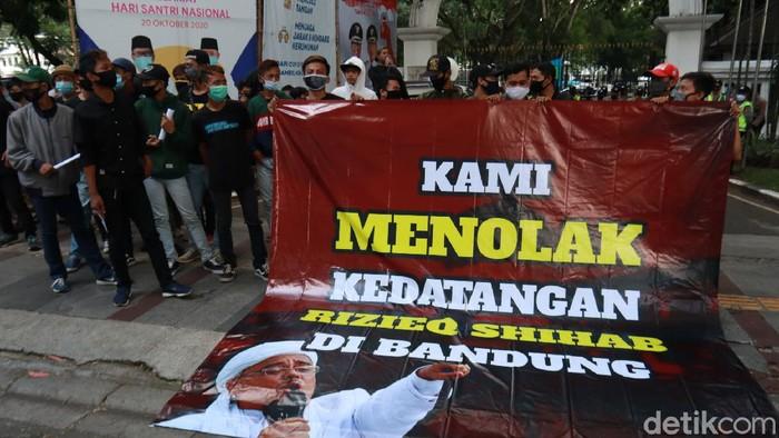 Tolak Habib Rizieq di Bandung