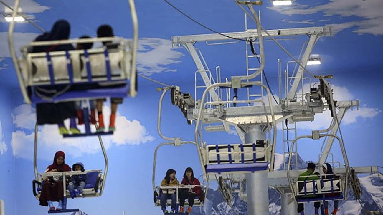 Gondola di Trans Snow World Bintaro