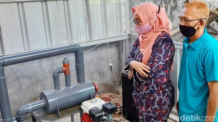 Wakil Wali Kota Cirebon apresiasi warga yang bikin alat pembakar sampah ramah lingkungan