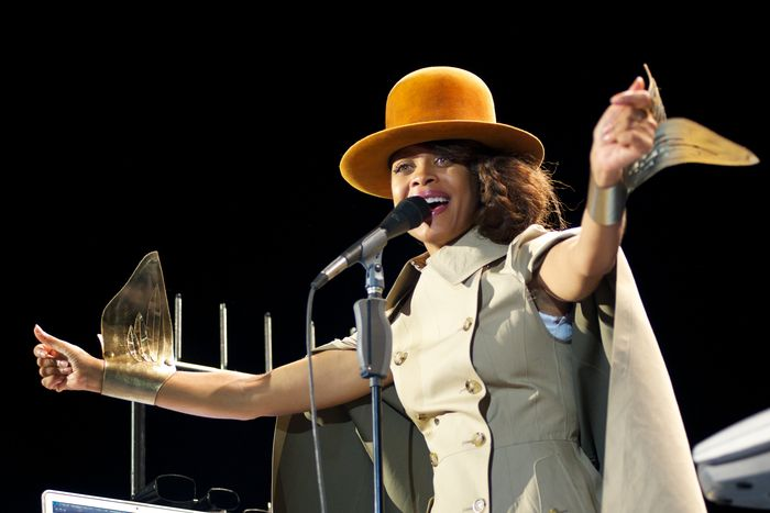 MADRID, SPAIN - JULY 17:  Singer Erykah Badu performs on stage at Theater Circo Price on July 17, 2012 in Madrid, Spain.  (Photo by Carlos Alvarez/Getty Images)