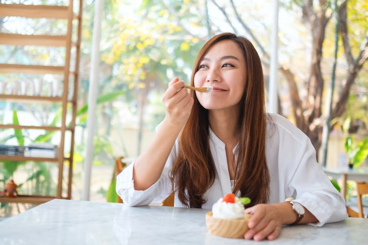 Cara Menurunkan Berat Badan, Ikuti 5 Tips Ngemil Sehat Ini
