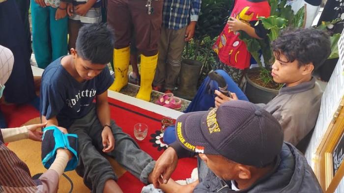 Dua Pria Tersesat di Gunung Gede Sukabumi