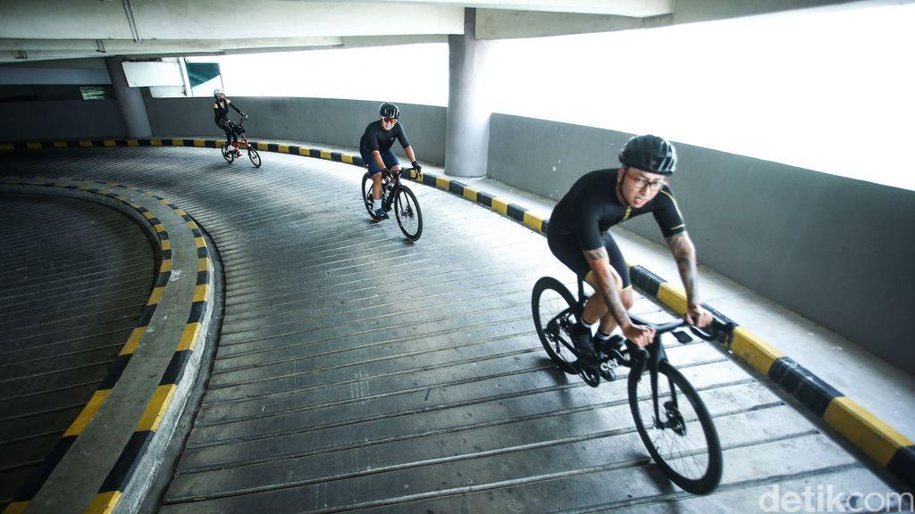 Musim sepeda atau gowes rupanya dimanfaatkan Mall Kuningan City untuk membuka wahana baru bagi pecinta sepeda. Penasaran?