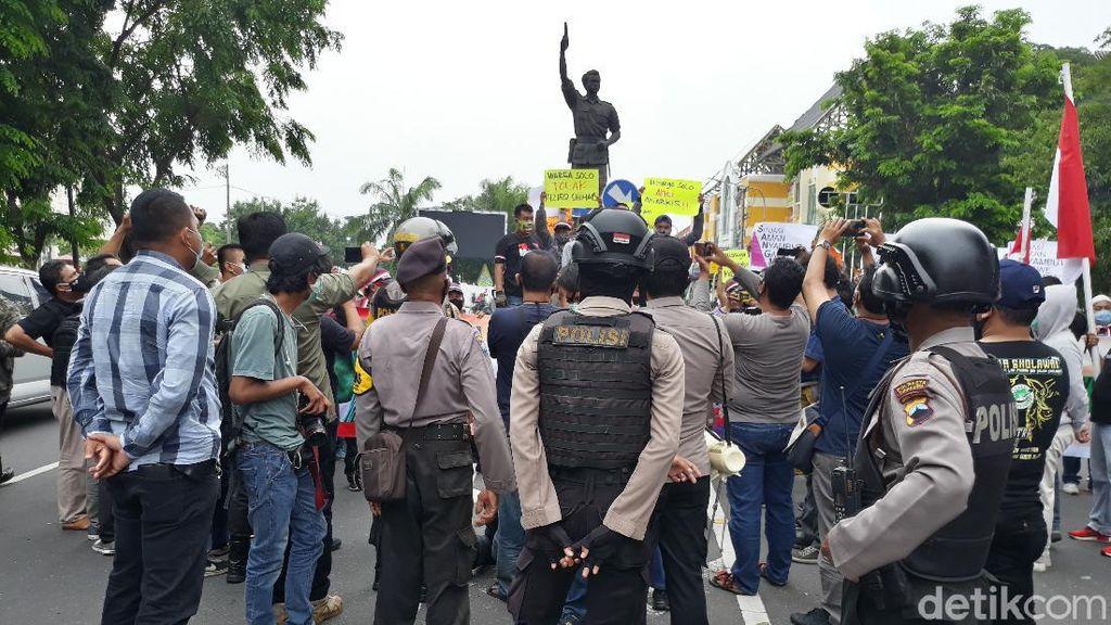Ada Aksi Tolak Habib Rizieq di Solo, Polisi Turun Tangan Membubarkan