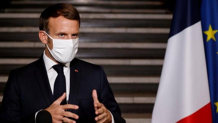 Para pemuka Muslim Prancis diberi ultimatum dua minggu untuk menerima piagam nilai-nilai republik