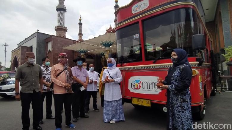 Peluncurkan terobosan paket wisata religi Cirebon