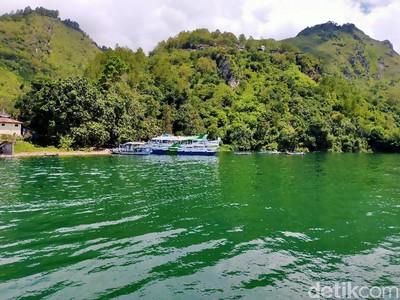 Menuju Parapat Via Kapal Motor, Inilah Keindahan Danau Toba