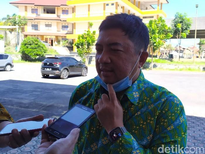 Rektor Uniga Abdusy Syakur Amin