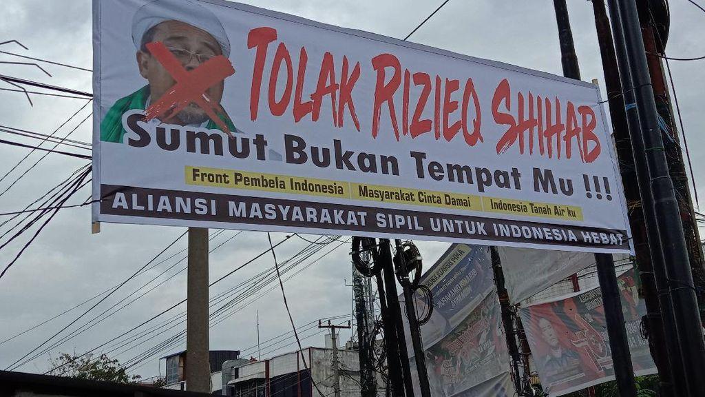 Spanduk Tolak HRS Terpasang di Medan, GNPF Sumut: Skenario Siluman