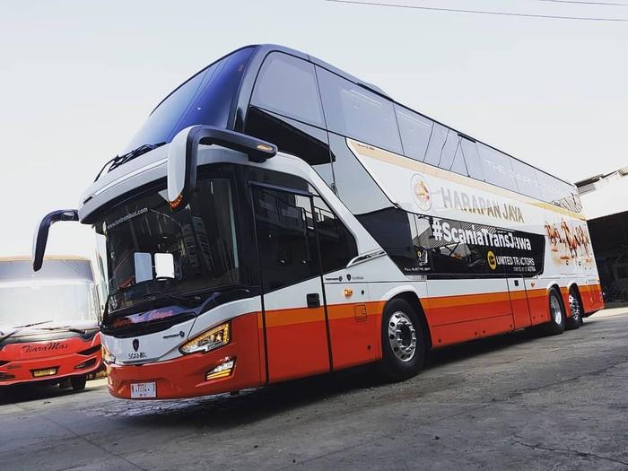 Bus tingkat bodi Avante D2 buatan karoseri Tentrem