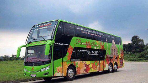 Bus tingkat bodi Jetliner Double Deck buatan karoseri Rahayu Santosa