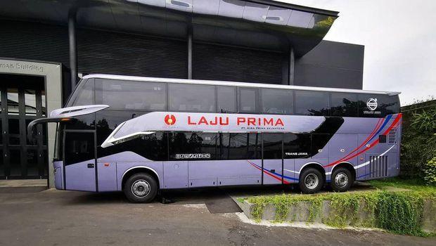 Bus tingkat bodi Legacy SR2 DD buatan karoseri Laksana