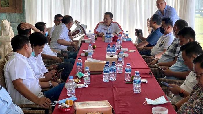 Hingga kini sedikitnya ada 25 IMI Provinsi yang memberikan dukungan langsung kepada Bamsoet untuk menjadi Ketum IMI Pusat.
