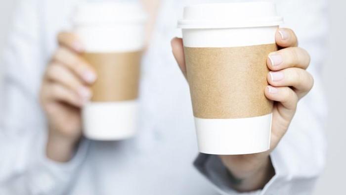 Hati-hati! Minum Kopi di Gelas Kertas Berisiko Tercemar 25 Ribu Partikel Plastik