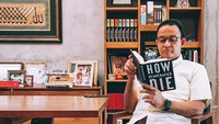 Sindiran Parpol Terangkai Kala Anies Baca How Democracies Die